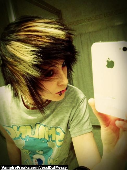 17 Best images about emo guys on Pinterest | Scene guys ...