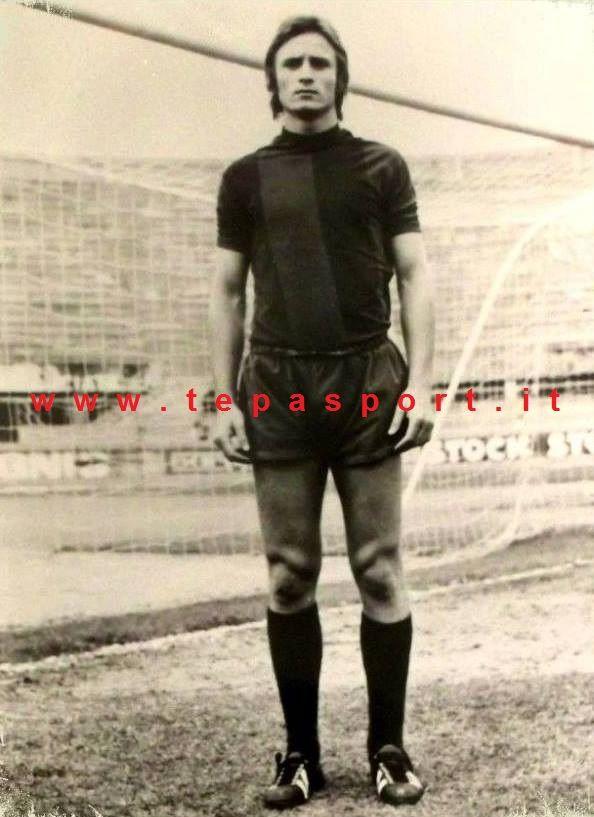 Tantissimi auguri al mitico Roberto Canestrari  (Piagge, 26 aprile 1953)  ⚽️ C'ero anch'io ... http://www.tepasport.it/ 🇮🇹 Made in Italy dal 1952