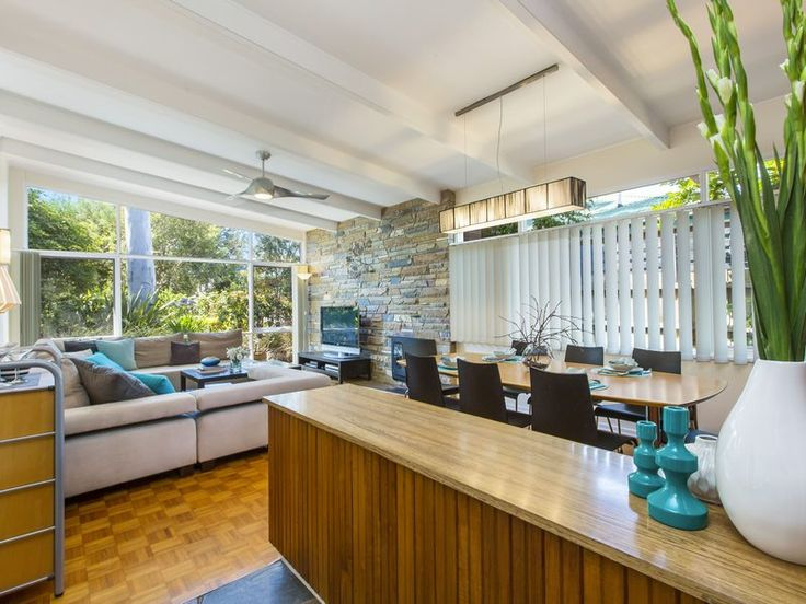 Its Martini Time - stay at The Pearson on the Mornington Peninsula. A little slice of 1959 architecturally designed beach house just metres to the beach