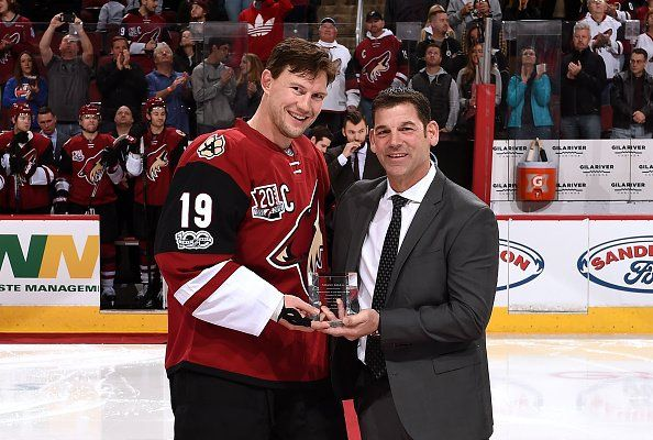 Arizona Coyotes Shane Doan was presented a gift in honor of his 400 career NHL goals http://rickostler.com/
