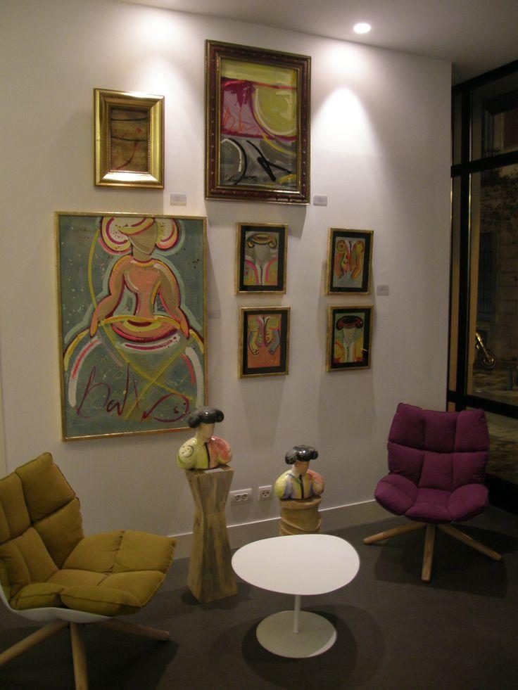 Composición de varias obras de la colección Tauromaquia en el Hotel One Shot