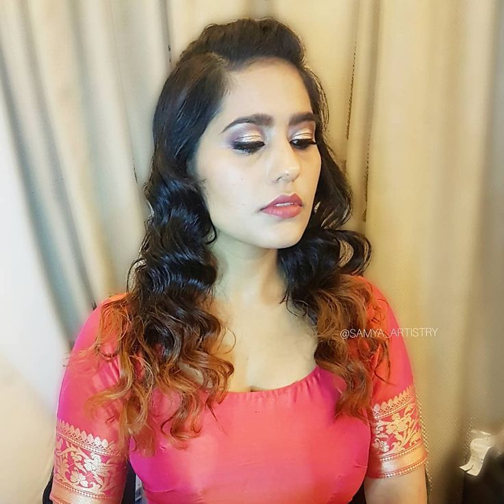 This time i played with vintage waves and gave a boho chic knot twist to it ? Makeup @simerkaursethi Hair @samya_artistry Hope you liked it guys