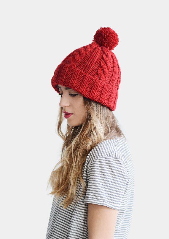 Câble tricot Bonnet, bonnet rouge, à la main femmes hiver bonnet tricoté avec Pom Pom, bonnet de Ski unisexe, bonnet de laine pour homme, couleur personnalisée