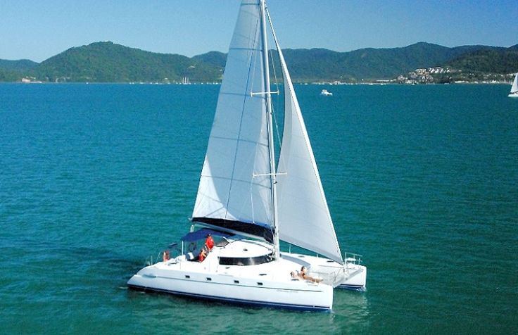 "Looking for luxury? ""Whitsunday Getaway"" is what you're looking for. #whitsundays  https://sailing-whitsundays.com/WhitsundaySailing.php?id=1469"