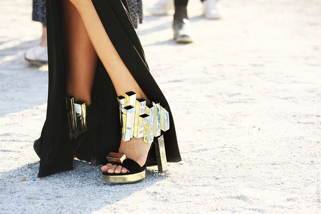 shoes.Crazy Shoes, Street Style, Paris Fashion Weeks, Black Gold, Pierre Hardy, Shoes Art, Fashion Women, Step Up