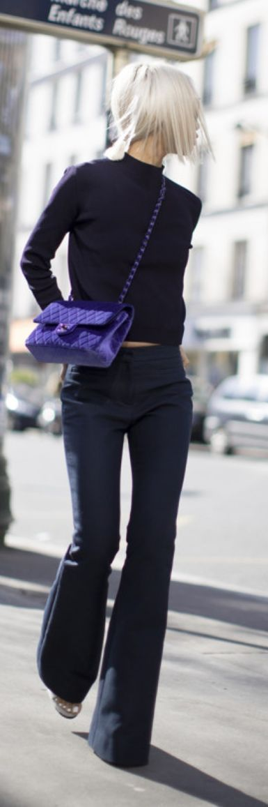 Street style | Black minimal chic | flared pants