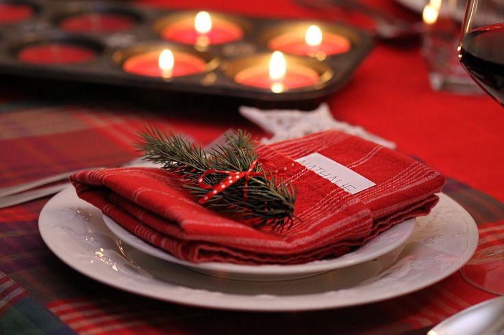 Idée déco en toute simplicité pour vos soirée de #Noël !   http://blogue.saq.com/tchin-tchin/cocktails-et-astuces-deco-pour-une-soiree-traditionnelle/