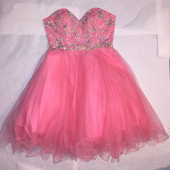 17 Best ideas about Pink Sparkly Dress on Pinterest | Pretty ...