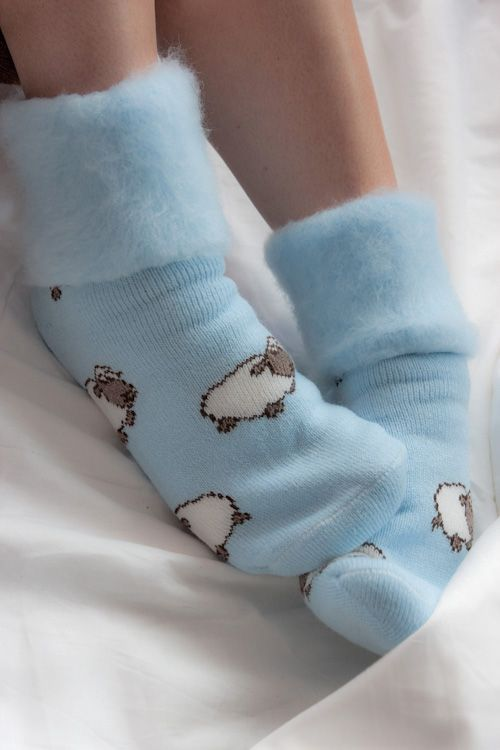 New Zealand Sleepy Sheep Bedsocks. These look super soft and comfy :)