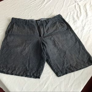 I just added this to my closet on Poshmark: J. Crew club linen men's shorts. Price: $15 Size: 35