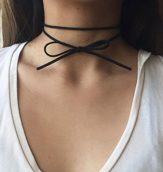 Simple Double Wrap tour de cou noir / délicat noeud papillon velours RAS de cou - Becca