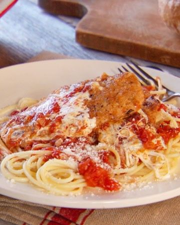 """Mad Hungry"" Kitchen Tips and Techniques - Plan and prepare meals in advance so you can spend less time in the kitchen and more time relaxing with your family. For Sunday dinner, try a chicken Parmesan menu that can be assembled in the morning and baked just before you're ready to eat."