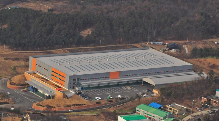 Korea Life Warehouse Incheon, South Korea UltraPly TPO Mechanically Attached System (MEC) 9.600 m²