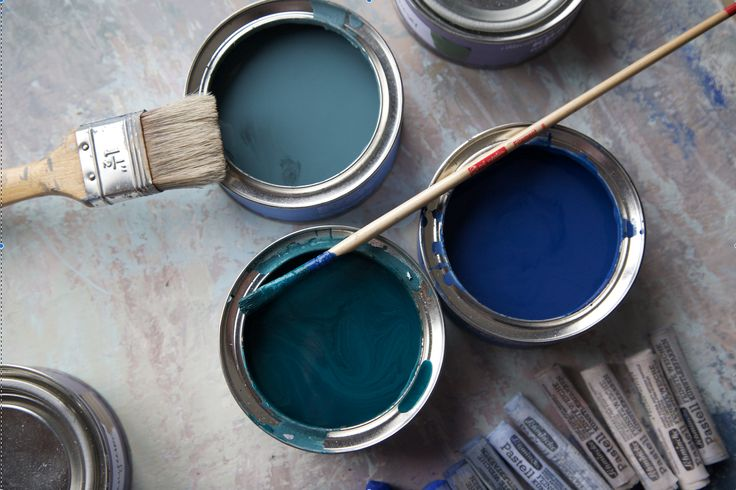 furniture and interior paint by Daria Geiler for diy repaint. You can change the colour of your old furniture, no priming or sanding just take a brush and start painting. Colours: Island, Midnight and Copenhagen