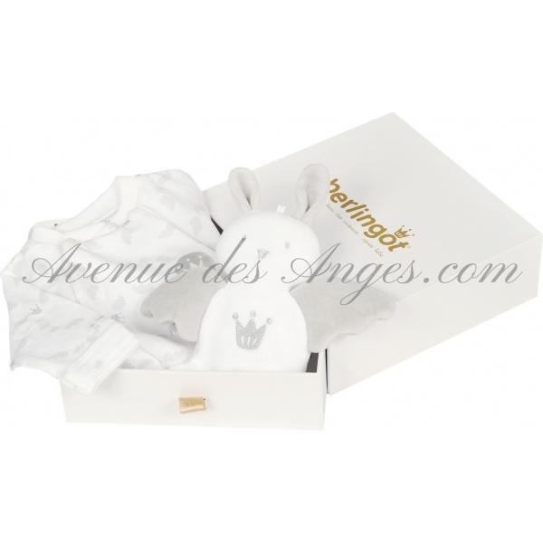 #Coffret #naissance pyjama gris et doudou Gold - Berlingot: Un élégant coffret estampillé contient un pyjama tendre et le doudou assorti. http://www.avenuedesanges.com/fr/berlingot/2849-berlingot-coffret-pyjama-gris-et-doudou-gold-3512043252119.html