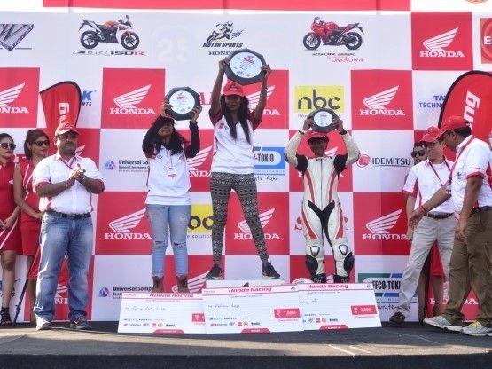First All Ladies Race Debuts in Chennai | #teamcarchix #carchix #carchicks #femaleracer #femaleracing #womenracing #motorcycle #honda #motorsports