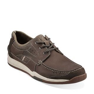 No need to choose between comfort and style with this men's lace-up shoe.  Expertly crafted from olive nubuck, it features a mesh and ...