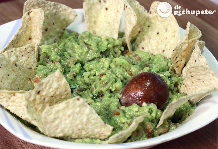 Cómo hacer Guacamole mexicano.   TIEMPO DE PREPARACIÓN: 12 minutos  COSTE: 1,2 euro por persona