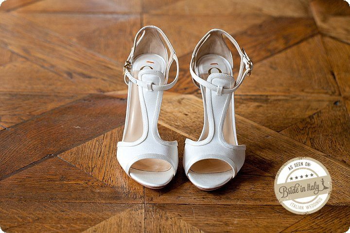 Elegant and modern bridal shoes by Au Jour Le Jour. Ph Michela Magnani http://www.brideinitaly.com/2013/12/magnani-circus.html #circus #whimsical #wedding #italy