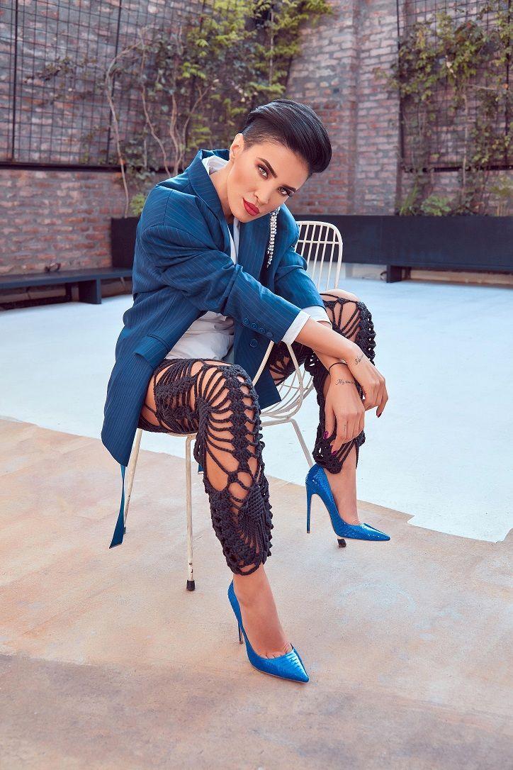 Adelina Pestritu, diva in digital: 2 milioane de followeri, o revista online si un vlog de succes INTERVIU EXCLUSIV - www.perfecte.ro
