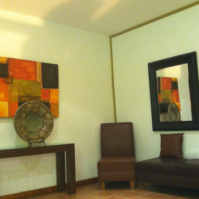 Lounge Lobby room, combinación color chocolate