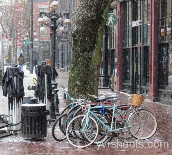 SNOW DAY: FIFTY SHADES OF GREY Scrapped its Cycling Stunt & Couple Walking in Gastown