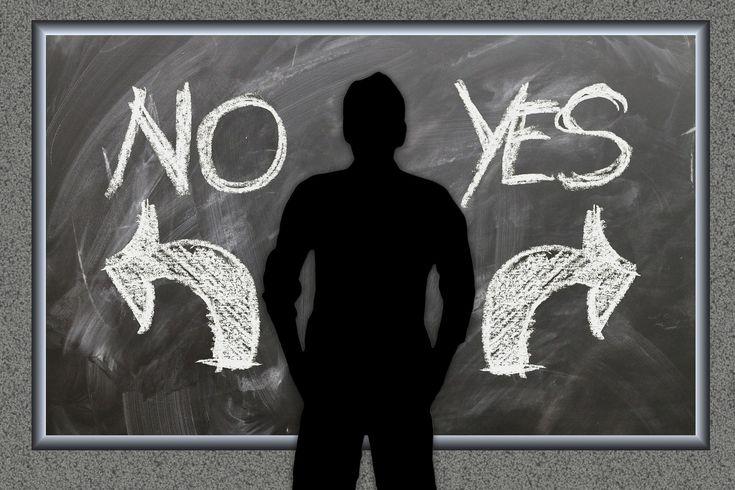 """Warum eine """"Entscheidung zu treffen"""" wichtig ist! Entscheidungen zu treffen ist ein wichtiger Teil unseres täglichen Lebens. Wenn, wir uns entscheiden etwas zu vollbringen oder ein Ziel zu erreichen stärken wir uns mental. Die Voraussetzung für jede mentale Stärke ist daher eine klare Entscheidung."""