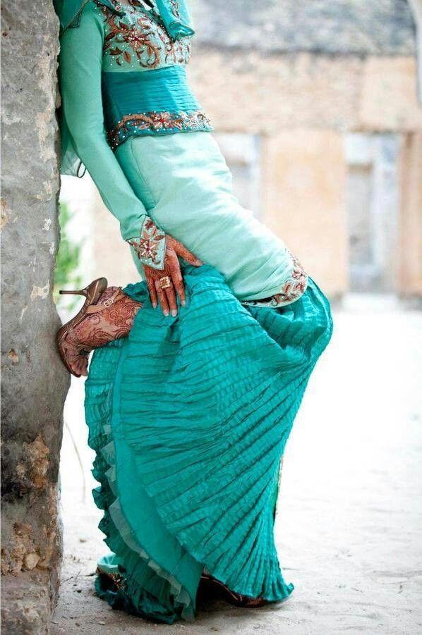Vestido turquesa.