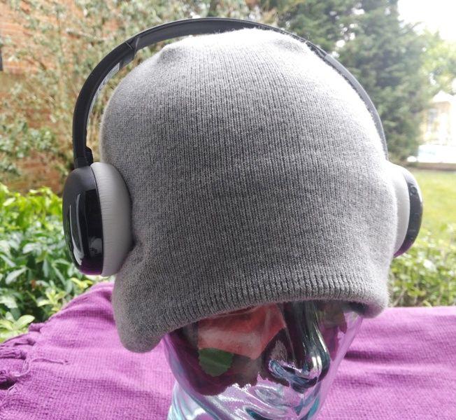 cedc1dc7633 JVC HA-S20BT Flats Wireless On-Ear headphones | Gadget Explained ...