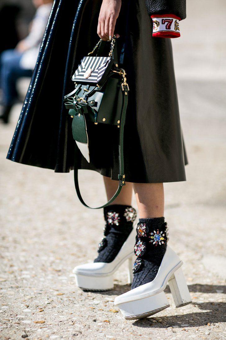 Pin for Later: Les Plus Beaux Accessoires Vus Pendant la Fashion Week de Paris Jour 1