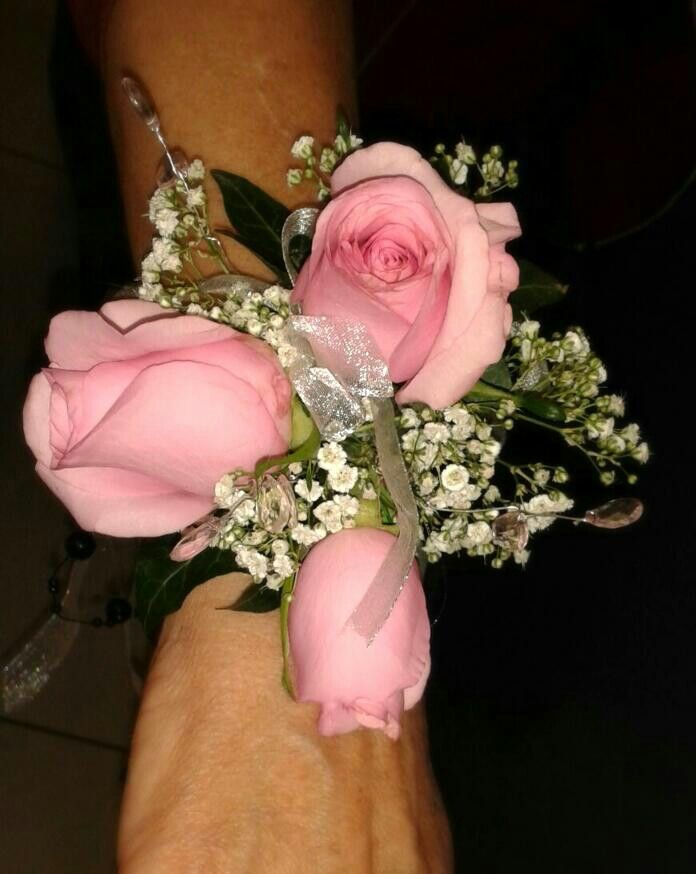 Soft pink rose & gyp arm corsage.