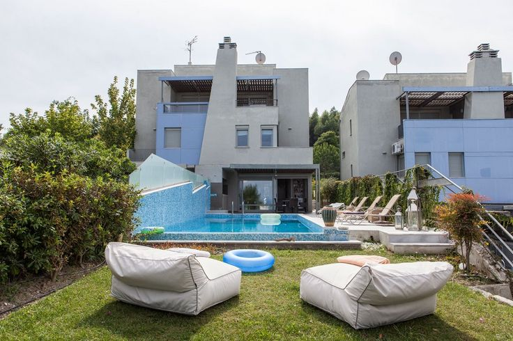 Luxurious pool villa in Paliouri, Kassandra. This spacious villa is just before the lively village of Paliouri, one of the most picturesque destinations of Chalkidiki with a spectacular view on the Toroneos gulf.