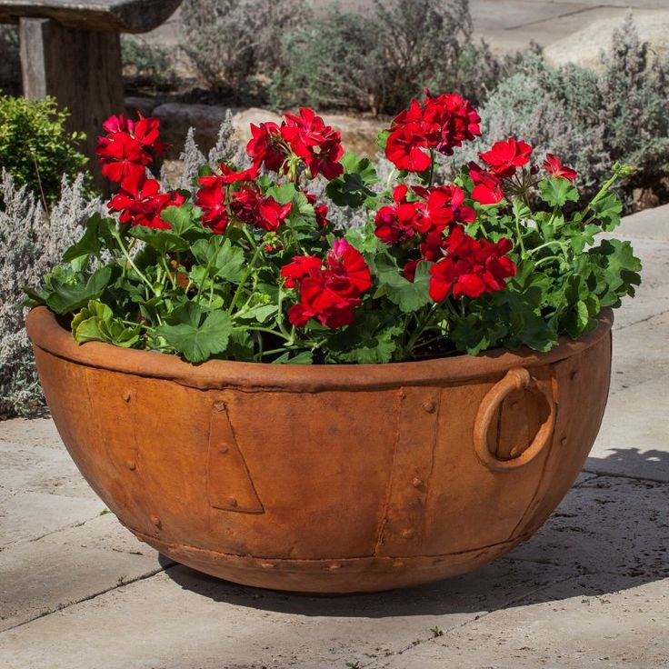 Campania International Rustic Kettle Round Planter Pietra Vecchia
