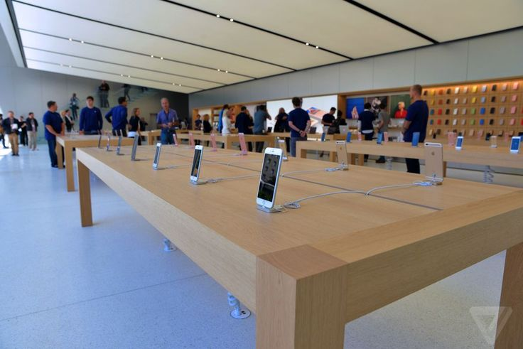 Apple just revealed the future of its retail stores | The Verge