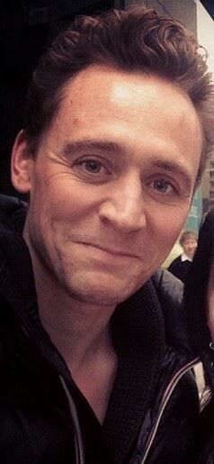 Tom Hiddleston in Toronto on April 10, 2014 [HQ]