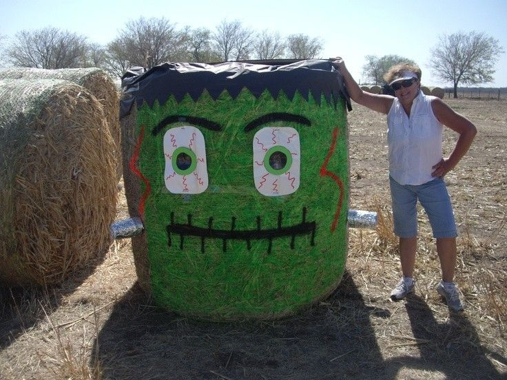 Hd Wallpapers Round Hay Bale Halloween Decoration Wallpaper Desktop