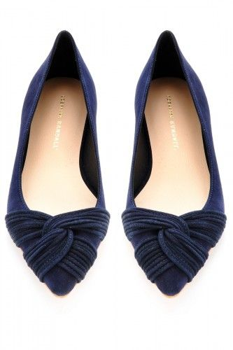 Love these navy blue flats.