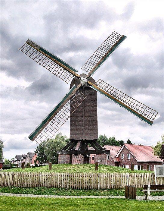 Bockwindmühle (Post Mill) an der Wiek — Papenburg, Germany