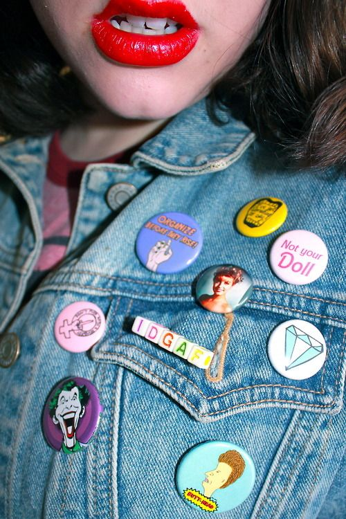 41e72d7d2 Remember the button trend in the '80's? Used to have my backpack covered in  them. | flashback to my childhood... | Fashion, Grunge fashion, Outfits