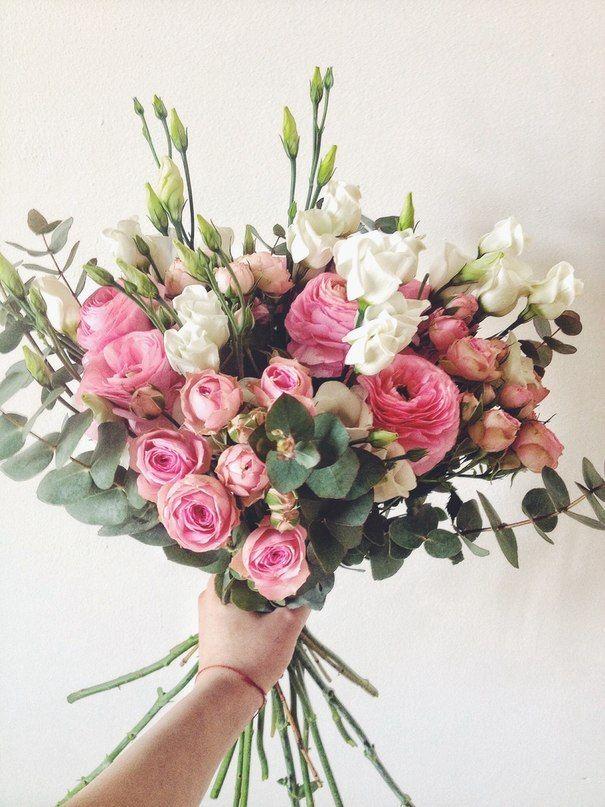Ranunculus, shrub rose, eustoma, eucalyptus // Pанункулусы, кустовая роза…