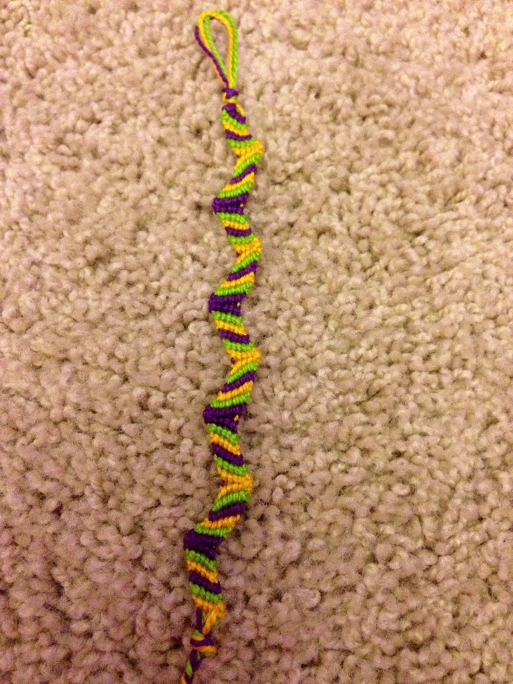 Zig Zag bracelet! Please contact me if you wanna buy/ order one! This bracelet is for sale, and $3