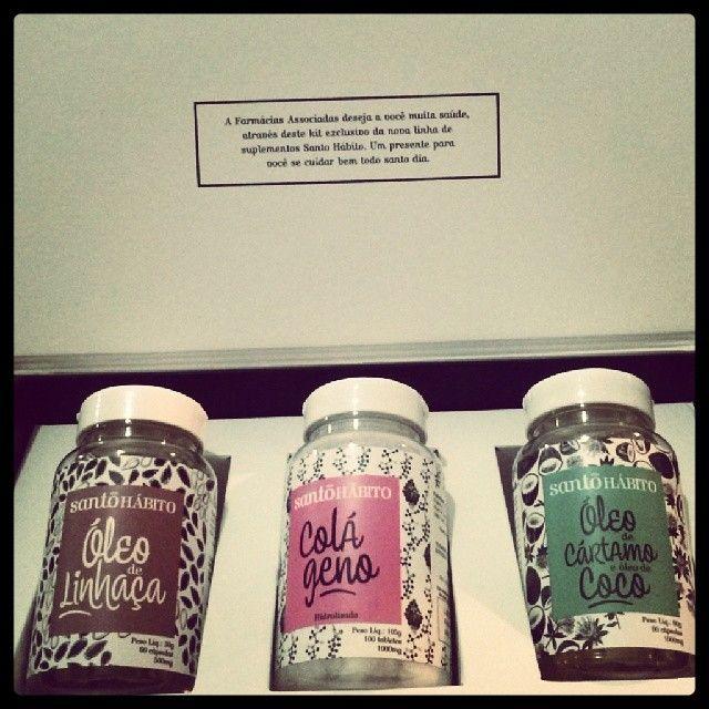 A @farmaciasassociadas me enviou este kit exclusivo da nova linha de suplementos Santo Hábito: Óleo de Linhaça, Colágeno e Óleo de Cartamo e Óleo de Coco. Pra ter mais saúde todos os dias!