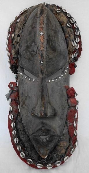 Antiga Mascara africana em madeira (Dan de Mali, peça utilizada em rituais de festivais africanos),