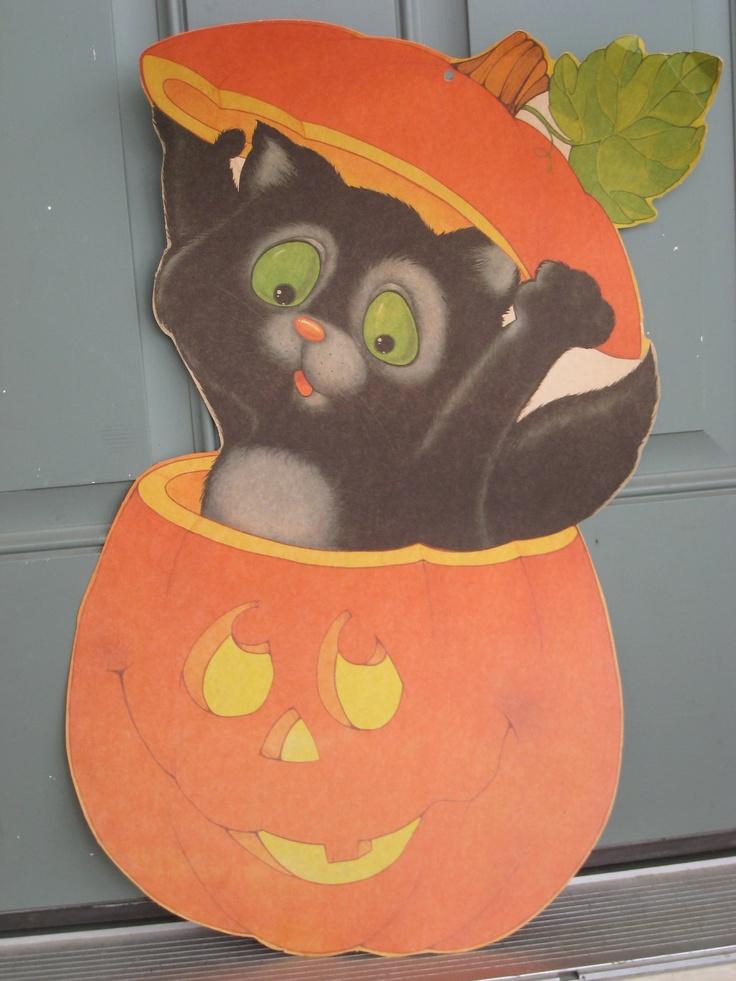 Vintage Halloween Cat Die Cut Decoration ca. 1970s (3997-W)