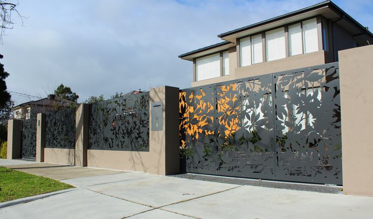 Pierre Le Roux creates Melbourne's best metal fences and gates. Our unique designs will give your front yard a striking alternative | Contact Pierre Le Roux Design today.