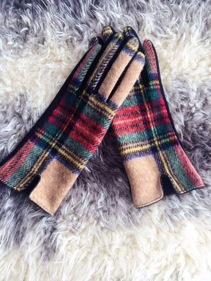 Keep your hands warm & stylish this fall and winter with our Plaid Gloves.These gloves are the perfect fashion statement! You can even complete your look with one of our Pretty in Plaid Blanket Scarve