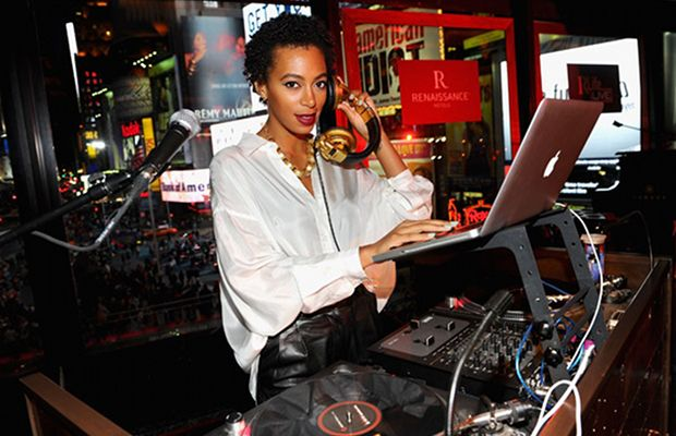 Solange Knowles Age: 26 Hometown: Houston, TX Notable Gig(s): Lincoln Superlounge at the Essence Music Festival in New Orleans, July 2009; TAO Beach in Las Vegas, June 2010