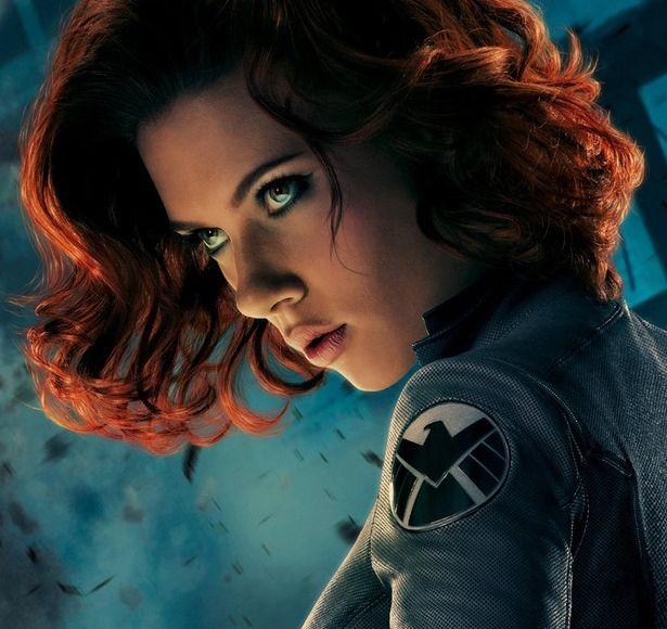 Há diversas coisas que todo mundo sabe sobre Scarlett Johansson. A mais notável é que ela é maravilhosa e dará vida à Natasha Romanoff, a Viúva Negra pela terceira vez nas telonas em Capitão América: O Soldado Invernal. Mas existem algumas que não são tão comuns ao público em geral. Por exemplo, vocês sabiam que …