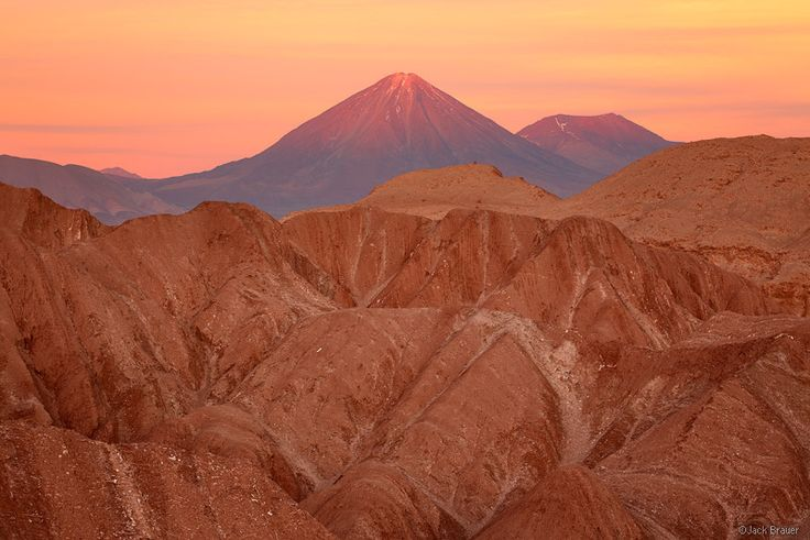 VolcᮠLicancabur, Atacama, Chile, Valle de la Muerte, San Pedro de Atacama, october, sunset, orange, licancabur, vo, photo