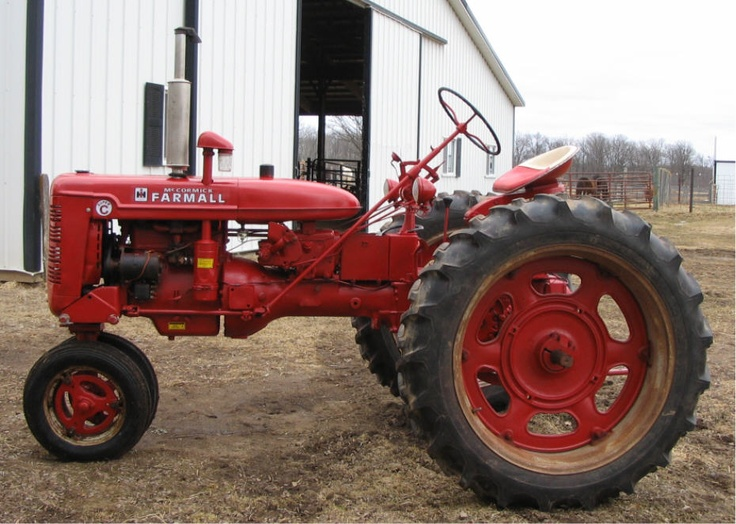Farmall super C. First tractor my Daddy ever taught me to drive. Love it forever.